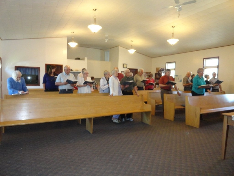 File:Pelly Fellowhsip Chapel worship service.jpg