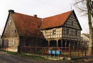File:Klein Lesewitz house.jpg