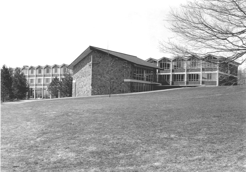 File:Conrad Grebel College 1974.jpg