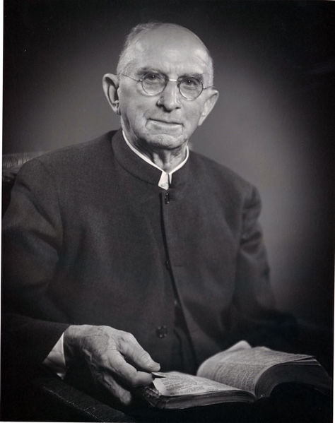 File:Allgyer-Samuel-E-02-Portrait-with-Bible-HM4-62-1-1.jpg