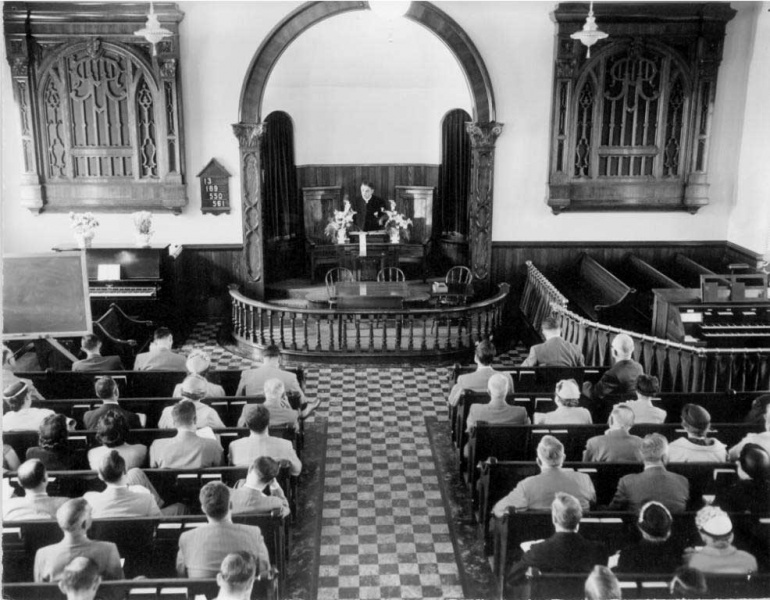 File:Upper-Milford-Mennonite-Church-interior-1955.jpg