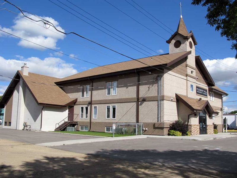 File:Pleasant-Hill-Mennonite-Church-Saskatoon-2010.jpg