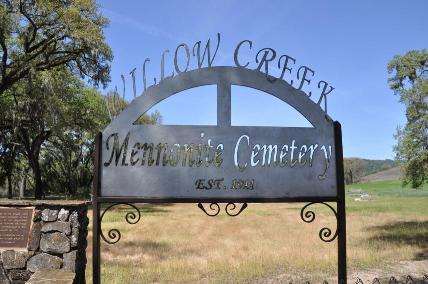 File:Willow-creek-church-sign.jpg